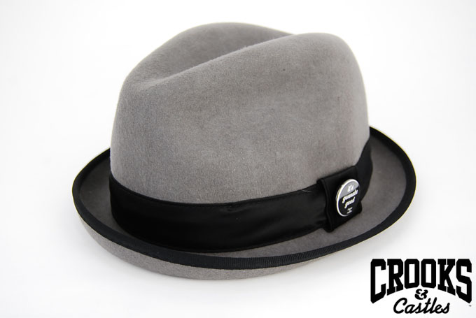 Crooks_hat_gry_1