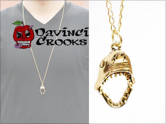 Davincicrooks_shark_neckless_gold_0