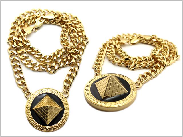 Pyramids_of_giza_chain_gold_1